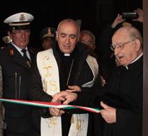 taglio del nastro all'inaugurazione della diocesi di noto