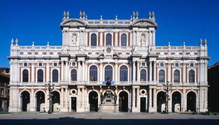 Facciata del Palazzo Carignano a Torino