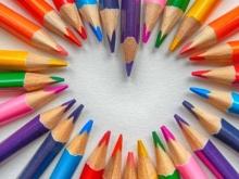 Foto di matite colorate disposte in cerchio